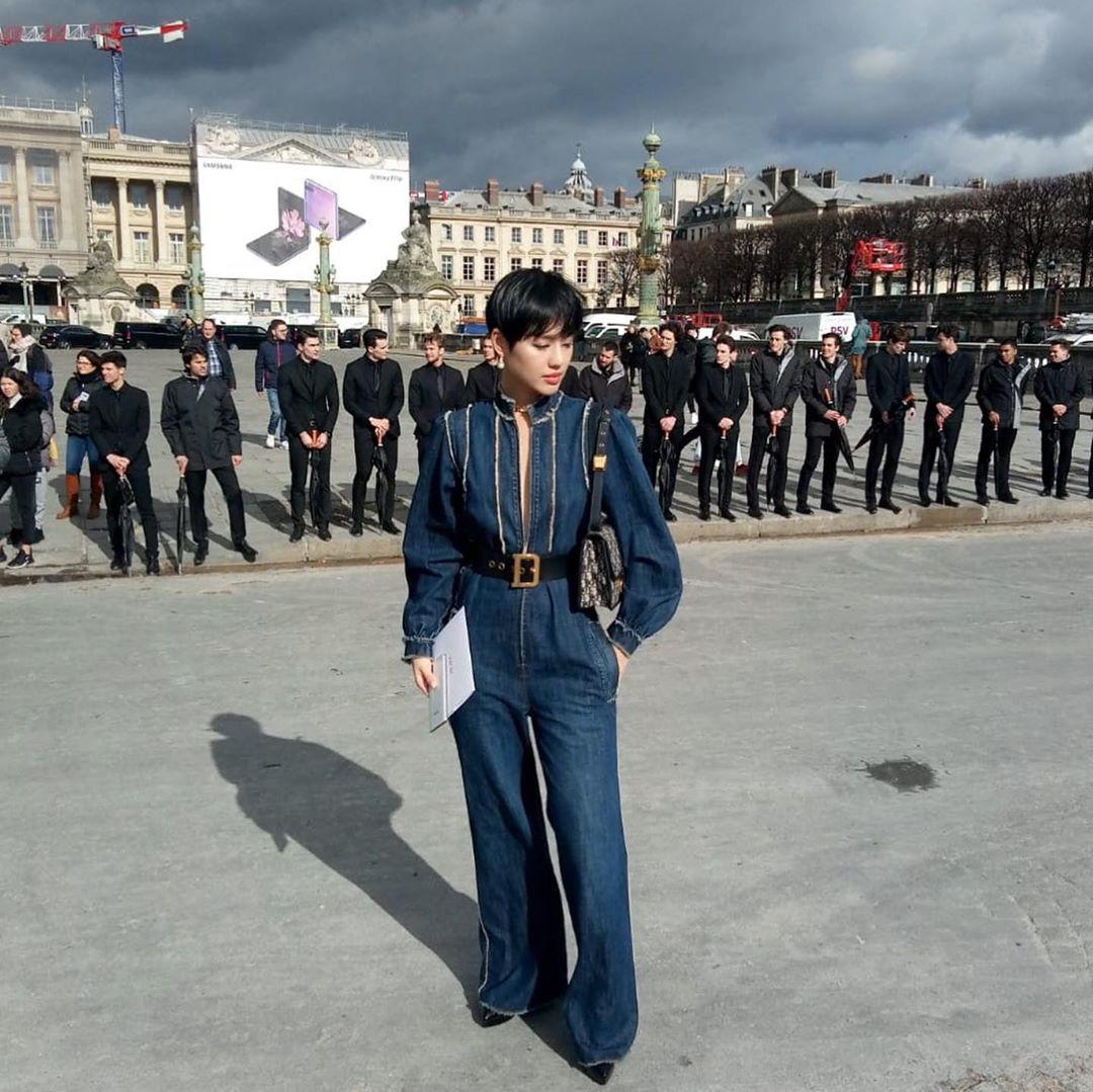 """Cùng dự show Dior, Châu Bùi chất """"quằn quại"""" nhưng xui nhất là Khánh Linh khi đụng hàng 2 khách mời khác ngay tại trận - Ảnh 4."""