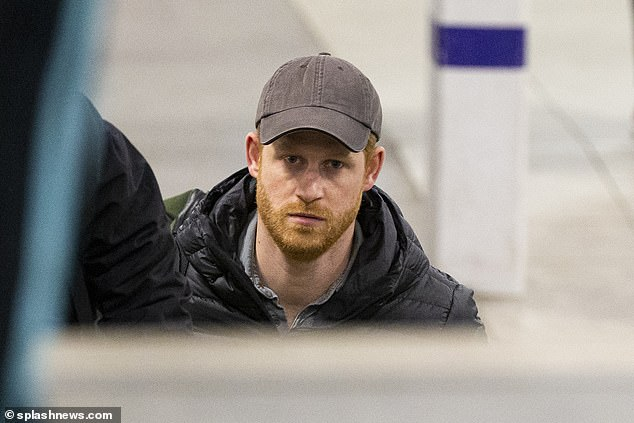 """Hoàng tử nước Anh chính thức lộ diện công khai và đưa ra yêu cầu đặc biệt với mọi người: """"Hãy gọi tôi là Harry!"""" - Ảnh 3."""