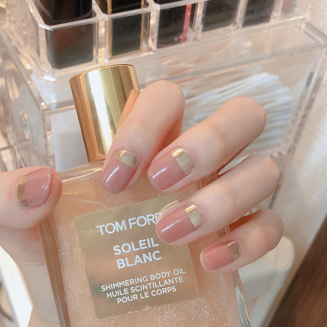Gợi ý loạt mẫu nails vùa xinh lại đơn giản dành cho các cô dâu  - Ảnh 6.