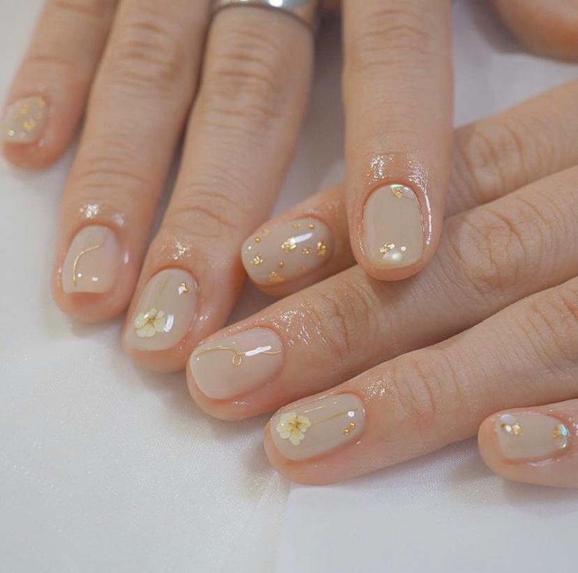 Gợi ý loạt mẫu nails vùa xinh lại đơn giản dành cho các cô dâu  - Ảnh 14.