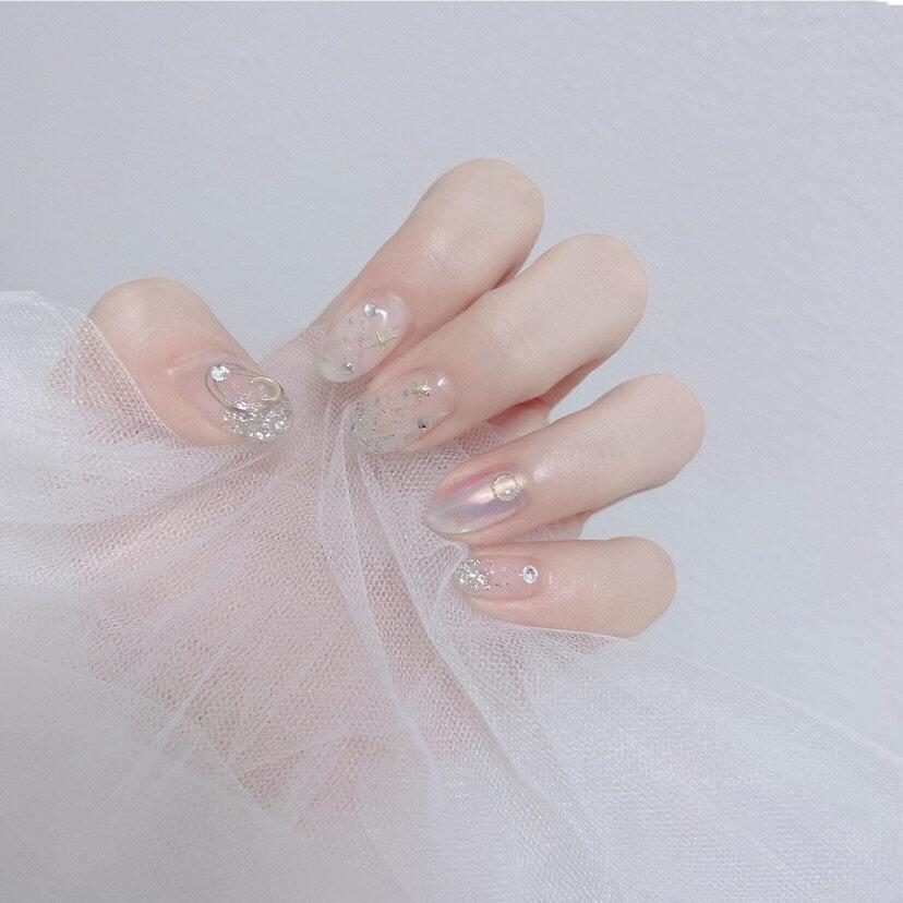 Gợi ý loạt mẫu nails vùa xinh lại đơn giản dành cho các cô dâu  - Ảnh 13.