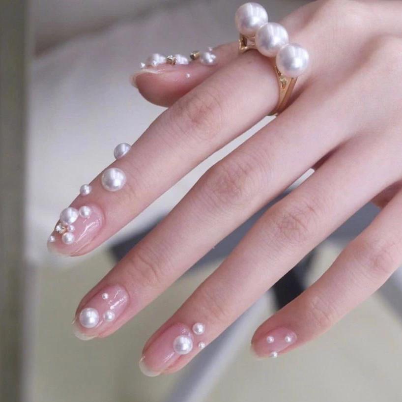Gợi ý loạt mẫu nails vùa xinh lại đơn giản dành cho các cô dâu  - Ảnh 15.