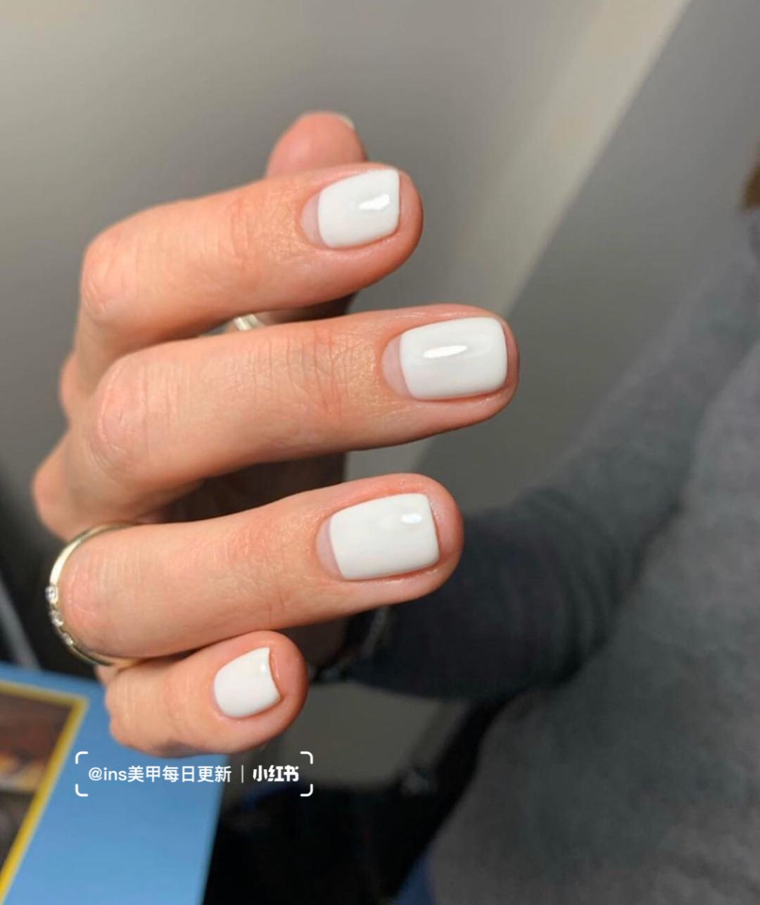 Gợi ý loạt mẫu nails vùa xinh lại đơn giản dành cho các cô dâu  - Ảnh 5.
