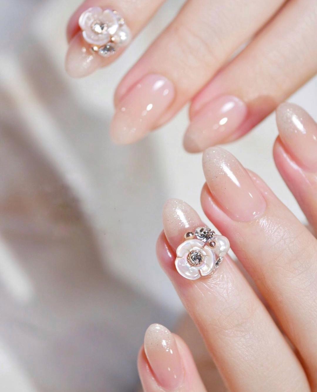Gợi ý loạt mẫu nails vùa xinh lại đơn giản dành cho các cô dâu  - Ảnh 16.