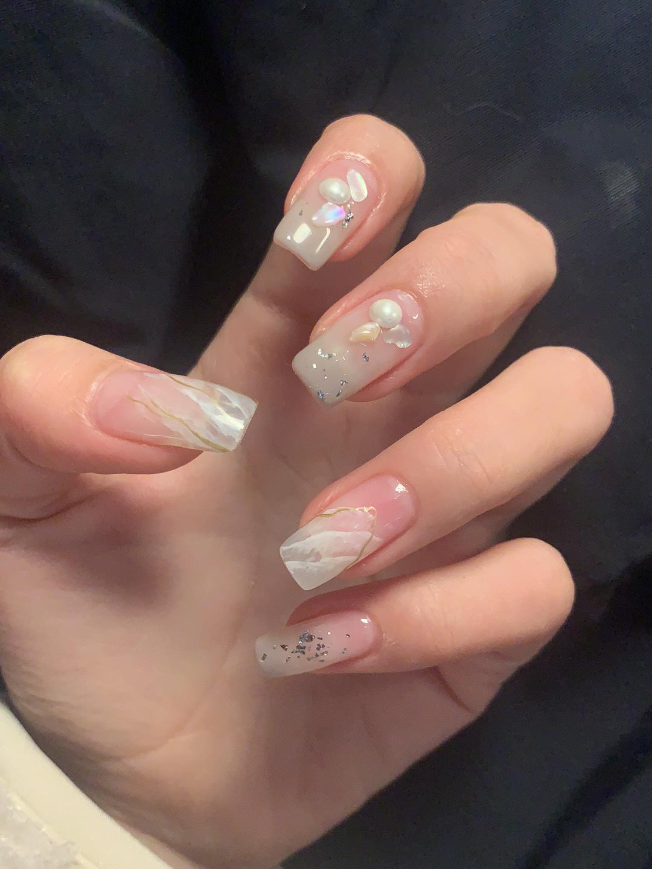 Gợi ý loạt mẫu nails vùa xinh lại đơn giản dành cho các cô dâu  - Ảnh 9.
