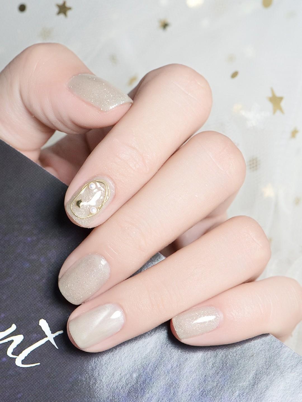 Gợi ý loạt mẫu nails vùa xinh lại đơn giản dành cho các cô dâu  - Ảnh 12.