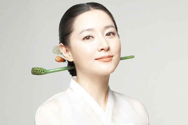 Loạt nghệ sĩ tên tuổi Hàn Quốc chung tay giúp đỡ chính phủ phòng chống dịch Covid-19: Người ủng hộ tiền bạc, người quyên góp khẩu trang - Ảnh 5.