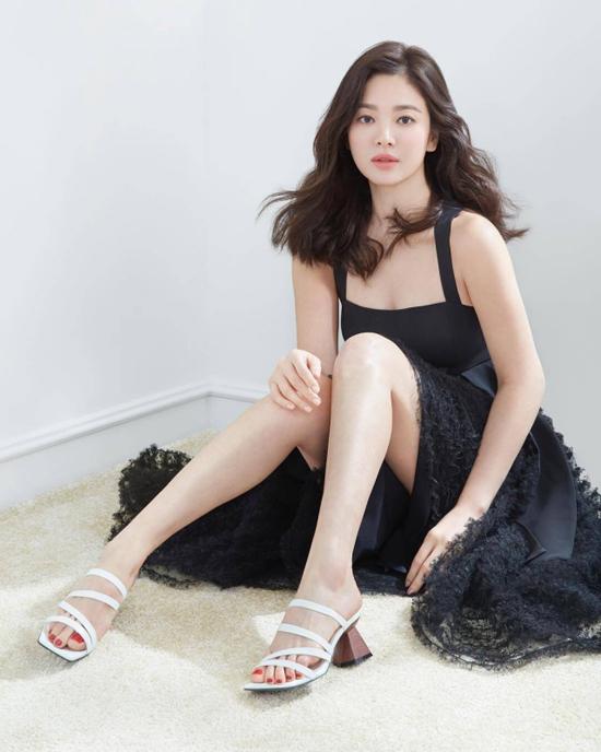 """Điểm chung bất ngờ giữa bạn gái công khai và """"tình tin đồn"""" của Hyun Bin: Tất cả đều sở hữu những nét nổi bật này, hóa ra gu """"đại úy"""" Ri thích là như vậy - Ảnh 11."""