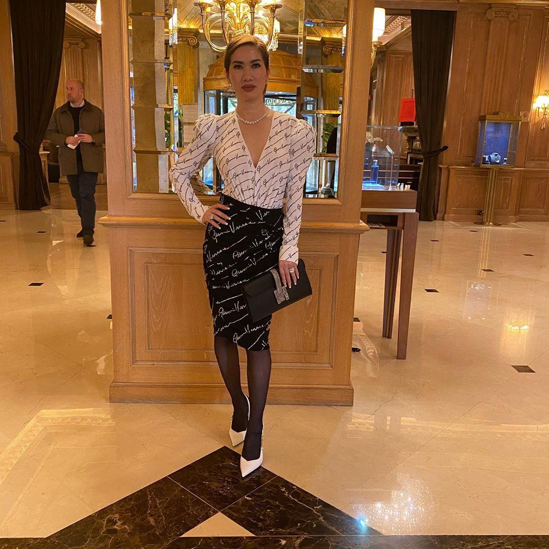 Sau doanh nhân Thủy Tiên lại đến nữ tỷ phú người Việt khiến dân tình bấn loạn khi lên đồ sang chảnh dự Fashion week - Ảnh 3.