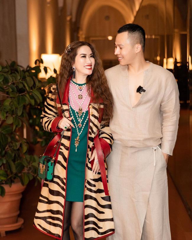 Sau doanh nhân Thủy Tiên lại đến nữ tỷ phú người Việt khiến dân tình bấn loạn khi lên đồ sang chảnh dự Fashion week - Ảnh 2.