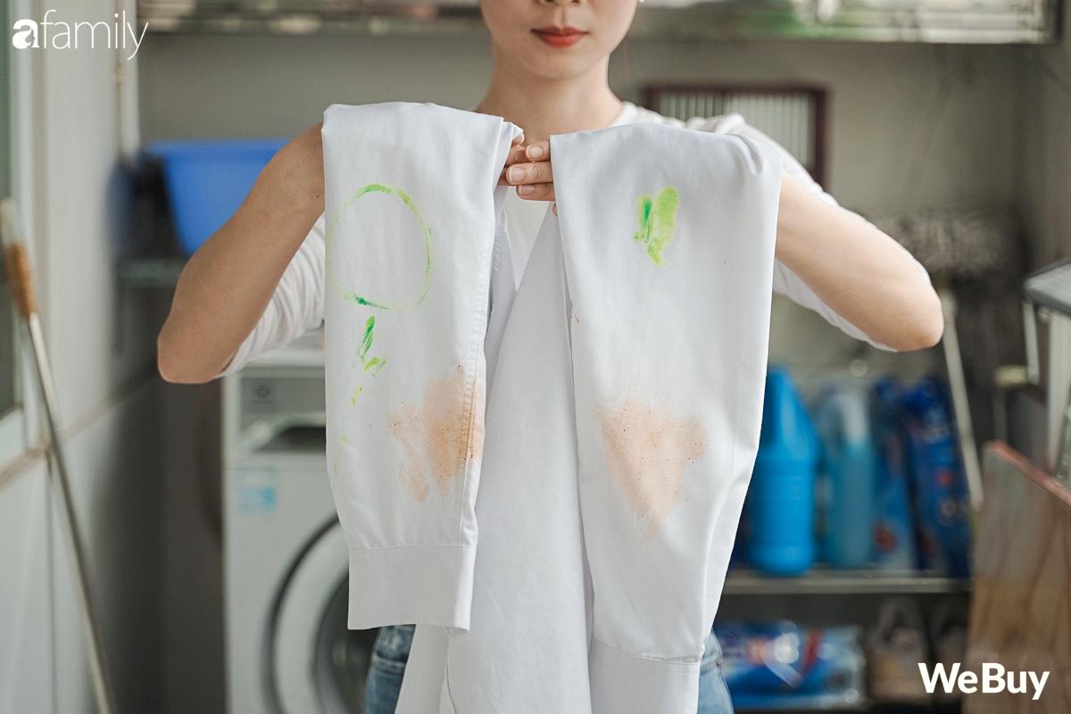 """Review thanh xà phòng giặt quần áo nội địa Nhật: Giặt sạch cả vết màu nước cứng đầu trong nháy mắt, bột giặt thường  """"không có cửa"""" - Ảnh 6."""