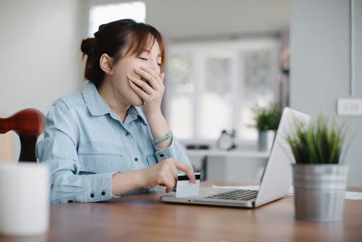 Tại sao chị em cứ đến văn phòng là buồn ngủ? Cùng tìm hiểu nguyên nhân và cách khắc phục ngay để cải thiện hiệu suất làm việc! - Ảnh 2.