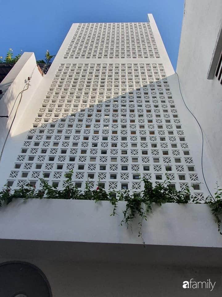 Nhà phố 38m² trong hẻm nhỏ vẫn rộng thoáng và ngập tràn bóng nắng ở Quận Gò Vấp, TP HCM - Ảnh 1.