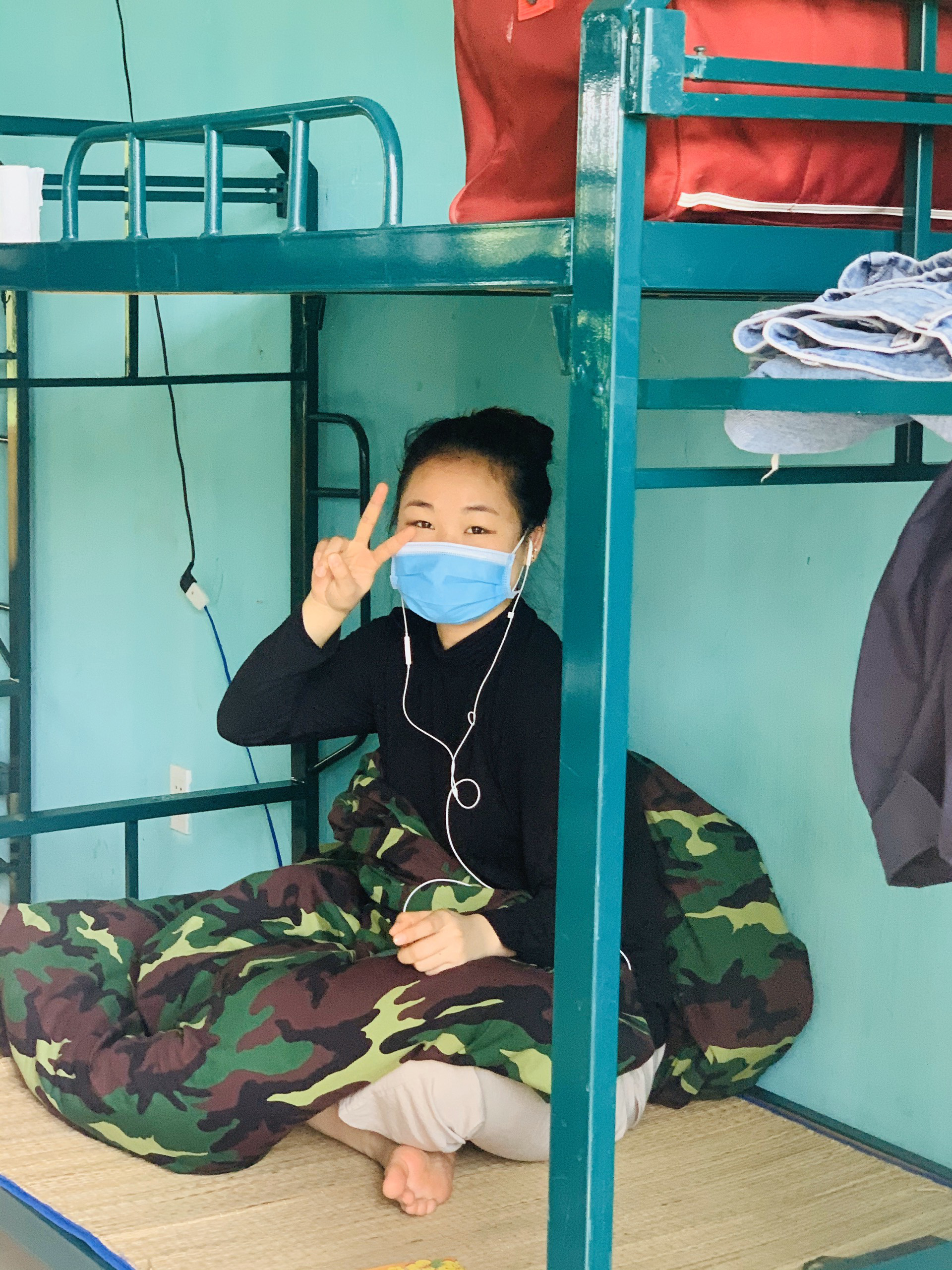 Cận cảnh bên trong khu cách ly người Việt từ tâm dịch virus Corona của Hàn Quốc về Đà Nẵng - Ảnh 11.