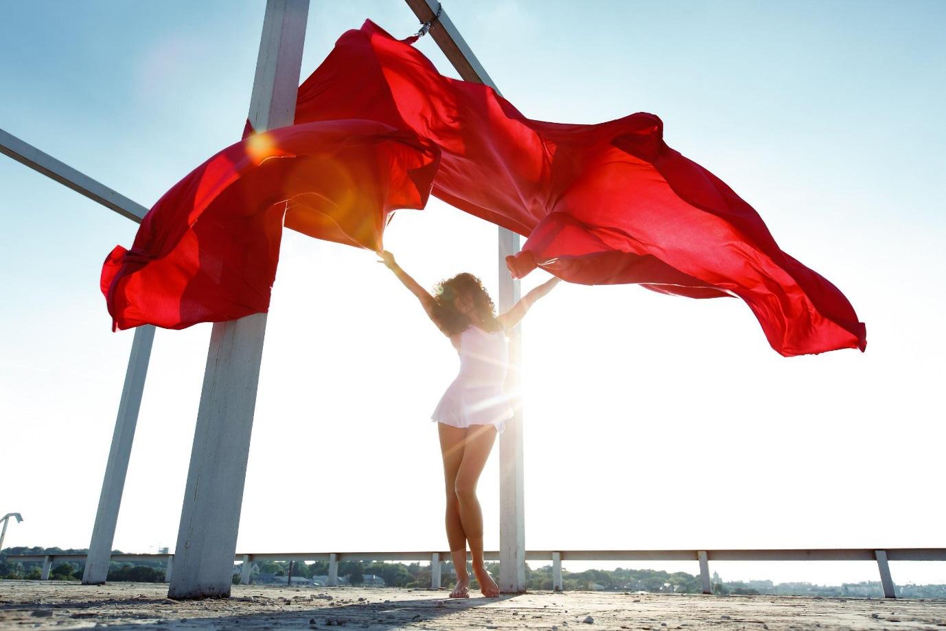 Phụ nữ hiện đại - Chủ động vượt qua nỗi lo suy giảm nội tiết tố - Ảnh 1.