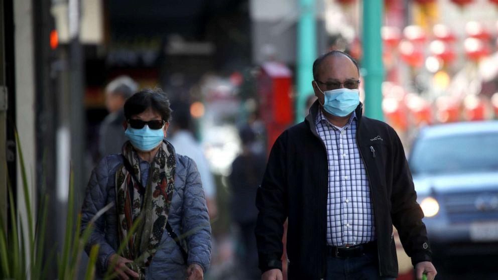 Italy trải qua những giờ đen tối nhất khi toàn bộ 60 triệu dân bị phong tỏa; Mỹ có số ca nhiễm virus corona tăng mạnh - Ảnh 4.