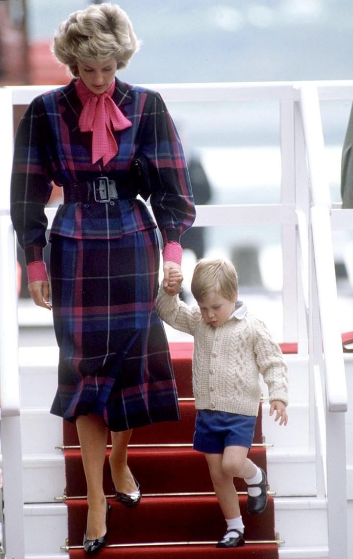 """Mốt """"bánh bèo"""" điệu chảy nước hóa ra đã có từ thời Công nương Diana - Ảnh 3."""