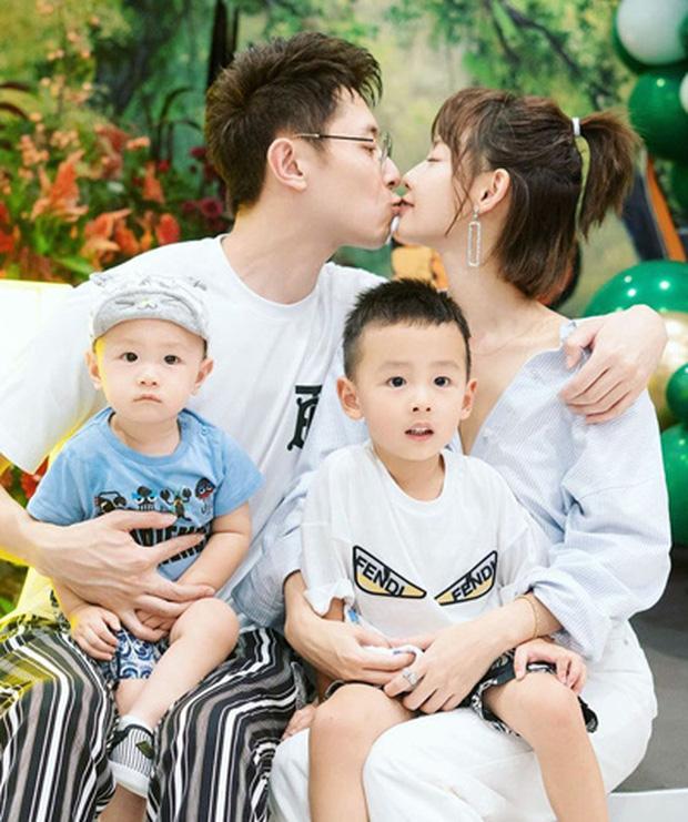 Những mỹ nhân Hoa ngữ kết hôn đã lâu nhưng chưa một lần diện váy cưới: Người dính tin đồn ly hôn, kẻ mãi chưa được mẹ chồng chấp nhận - Ảnh 2.