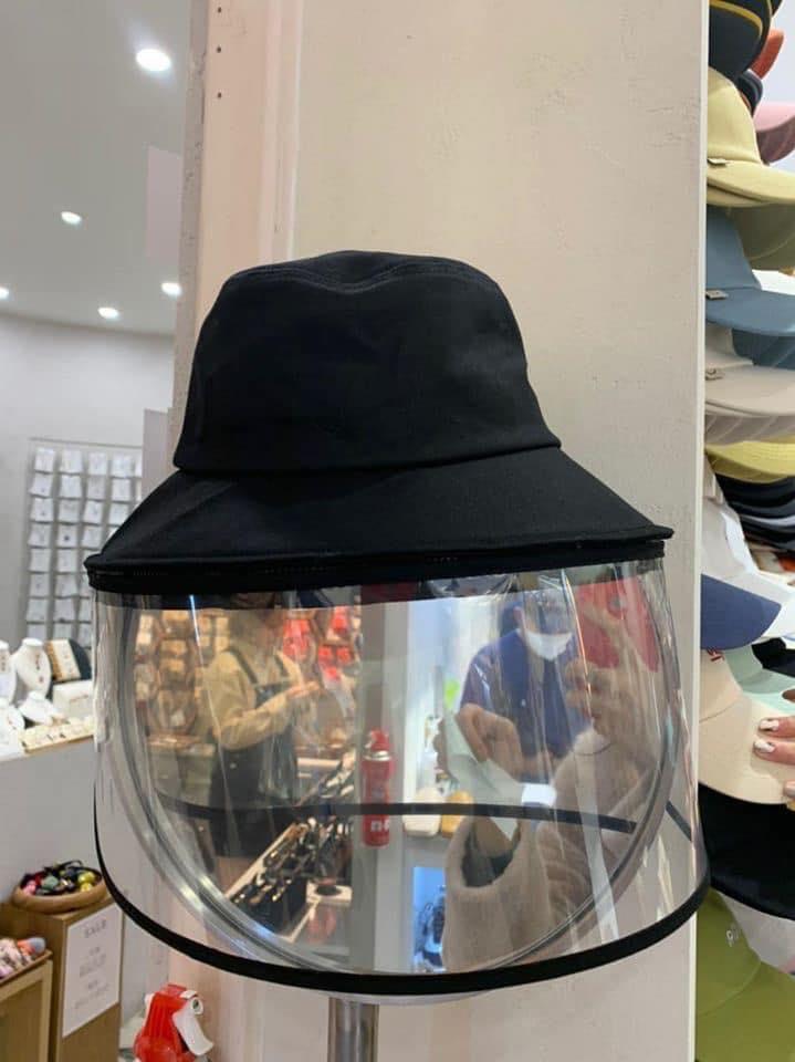Sản phẩm mũ kèm kính chắn siêu hot dành cho hội chị em, vừa bảo vệ sức khỏe mà ra đường thời trang sáng rực cả phố - Ảnh 3.