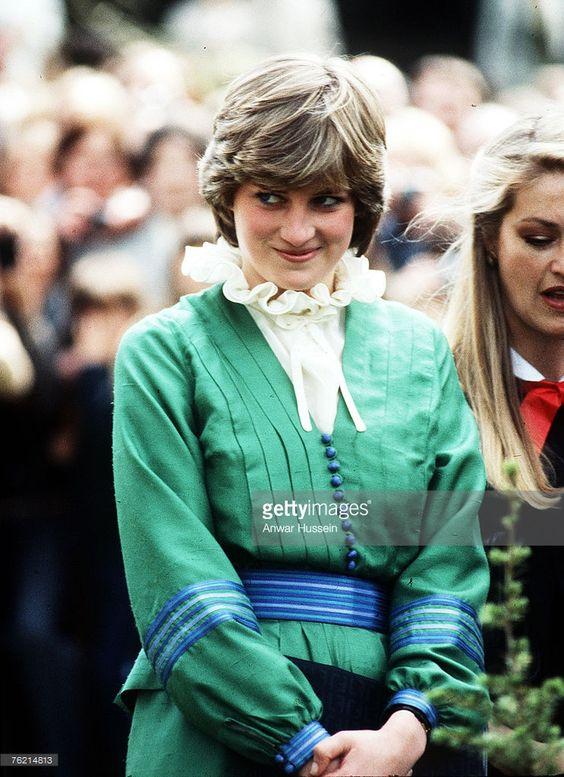 """Công nương Diana hóa ra cũng """"điệu chảy nước"""", cả loạt váy áo bánh bèo mà các chị em đang mê mệt đều từ bà mà ra hết - Ảnh 7."""