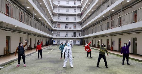 Trung Quốc tuyên bố đã qua đỉnh dịch COVID-19 - Ảnh 1.