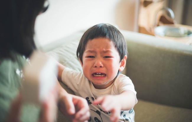 Nếu thấy con trai khóc, bố mẹ đừng vội mắng yếu đuối, hãy để con mạnh dạn thể hiện cảm xúc bởi những nguyên nhân quan trọng sau - Ảnh 4.