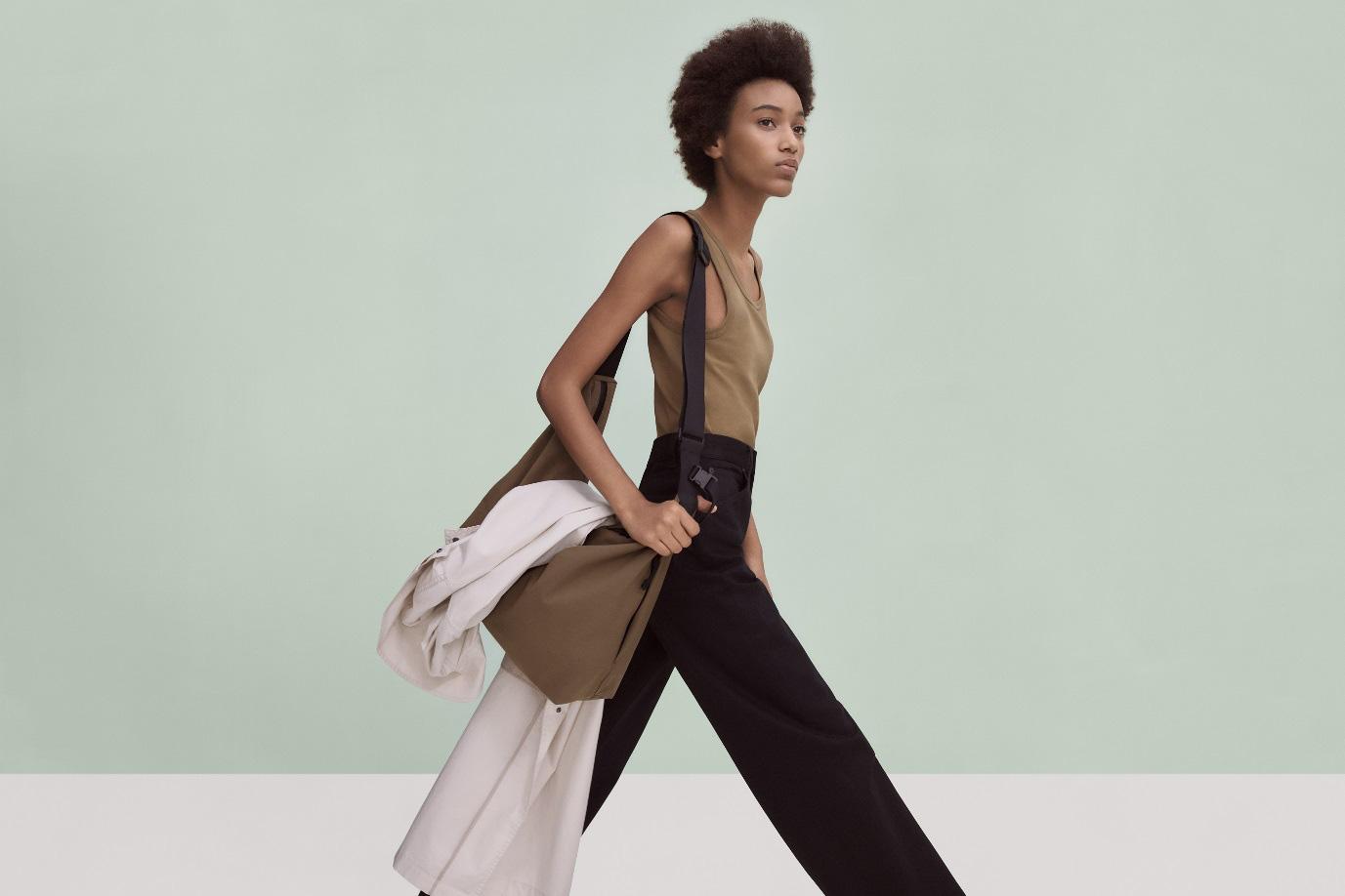 Góc nhìn mới về thời trang từ những trang phục thiết yếu cùng Christophe Lemaire và UNIQLO U - Ảnh 2.
