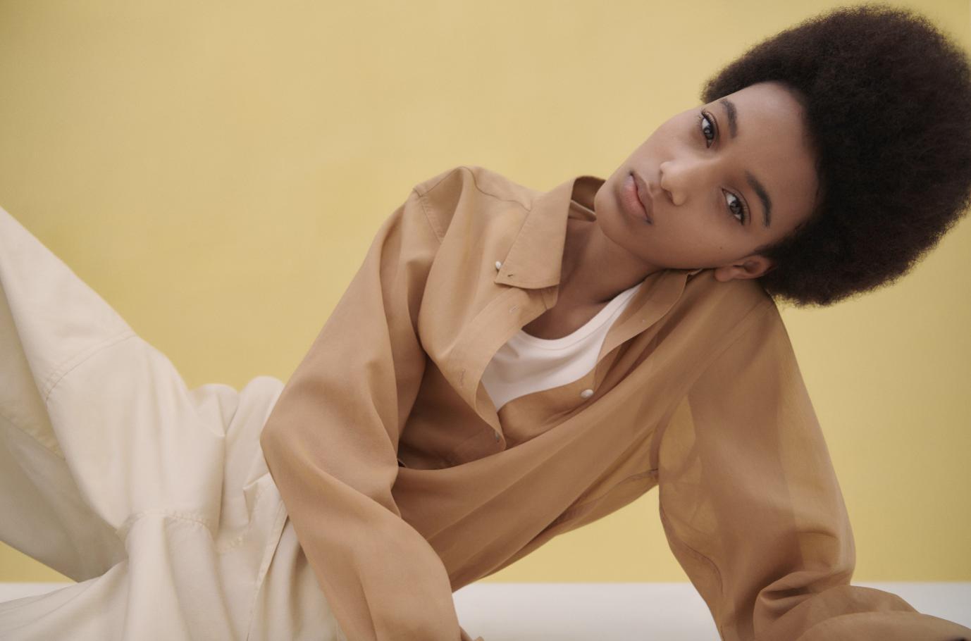 Góc nhìn mới về thời trang từ những trang phục thiết yếu cùng Christophe Lemaire và UNIQLO U - Ảnh 3.