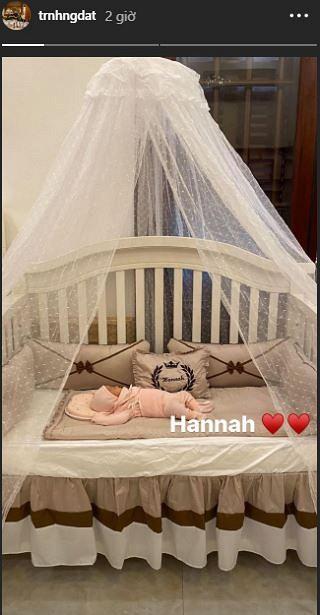 Hé lộ hình ảnh hiếm hoi về con gái mới sinh của cô dâu đeo 200 cây vàng ở Nam Định - Ảnh 3.