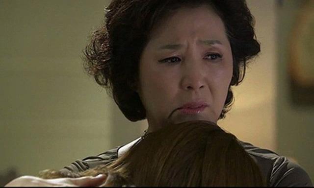 """Hậm hực gọi mẹ chồng là """"ngoài ngọt trong đắng"""" cho đến khi dọn ra ở riêng bà đưa ra một thứ thì nàng dâu chỉ biết ôm mặt khóc - Ảnh 2."""