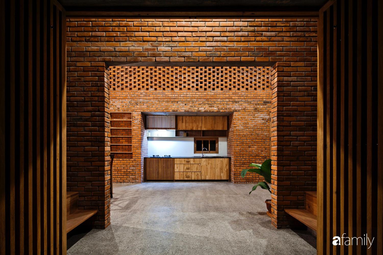 Căn nhà độc lạ với những bức tường xây bằng gạch nung lấy cảm hứng từ tổ mối có chi phí xây dựng 550 triệu đồng ở Đà Nẵng - Ảnh 5.
