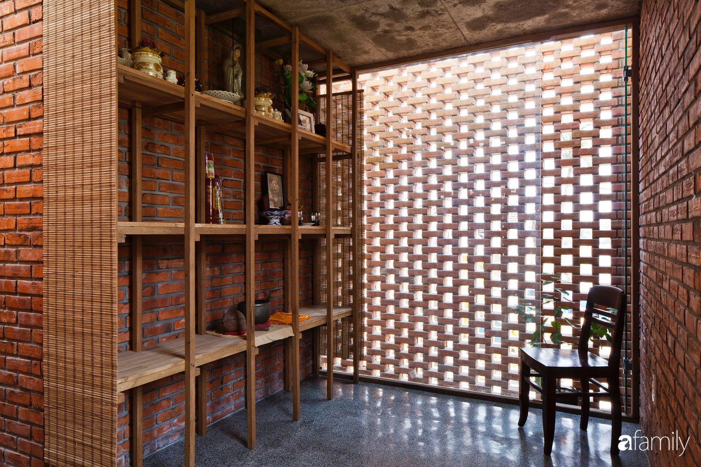 Căn nhà độc lạ với những bức tường xây bằng gạch nung lấy cảm hứng từ tổ mối có chi phí xây dựng 550 triệu đồng ở Đà Nẵng - Ảnh 11.