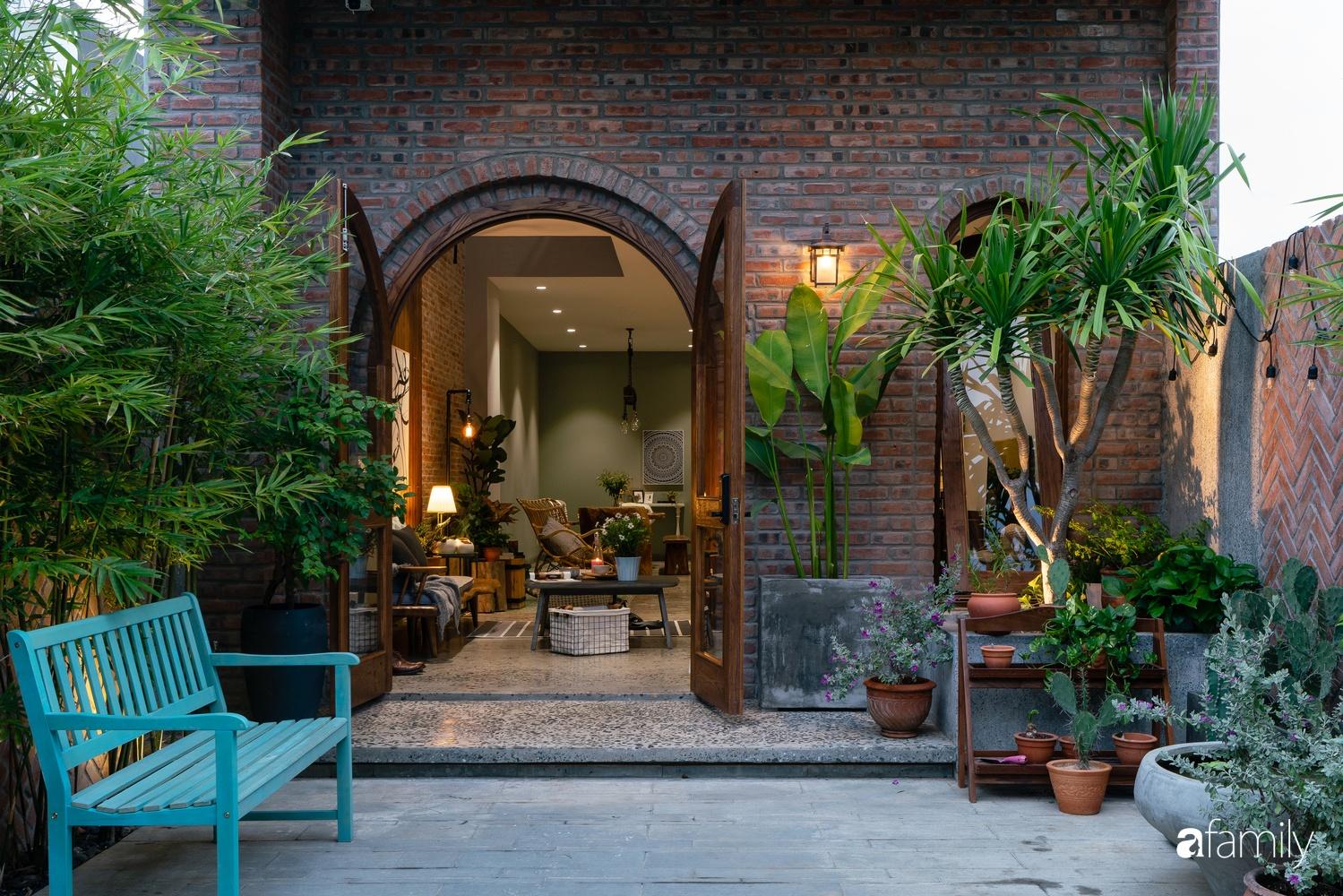 Ngôi nhà có kiến trúc độc đáo giàu tính nghệ thuật đẹp yên bình, mộc mạc giữa trung tâm thành phố Đà Nẵng - Ảnh 1.
