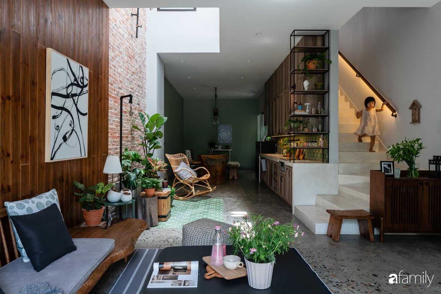 Ngôi nhà có kiến trúc độc đáo giàu tính nghệ thuật đẹp yên bình, mộc mạc giữa trung tâm thành phố Đà Nẵng - Ảnh 4.
