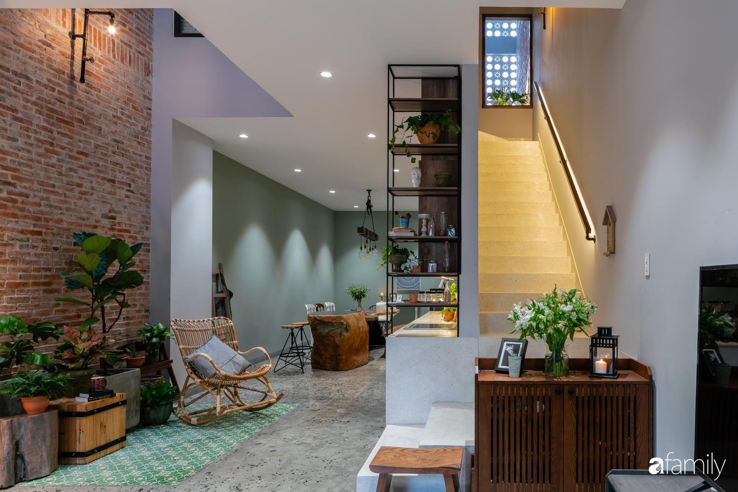 Ngôi nhà có kiến trúc độc đáo giàu tính nghệ thuật đẹp yên bình, mộc mạc giữa trung tâm thành phố Đà Nẵng - Ảnh 8.
