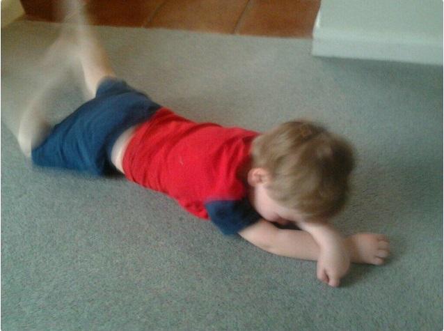 """""""Sao mẹ không ăn miếng bánh pizza đang nhai dở?"""" là một trong vô vàn những lý do của lũ trẻ mỗi khi thích khóc - Ảnh 11."""