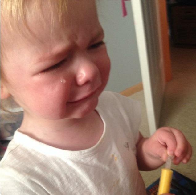 """""""Sao mẹ không ăn miếng bánh pizza đang nhai dở?"""" là một trong vô vàn những lý do của lũ trẻ mỗi khi thích khóc - Ảnh 15."""