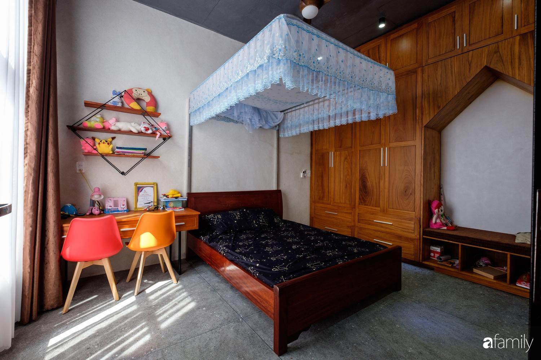 Nhà hướng Tây rộng 160m² đủ ánh sáng và gió trời dù không cần thiết kế nhiều cửa sổ ở Quảng Bình - Ảnh 16.