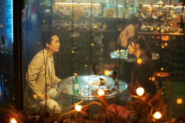 """Chán làm """"hôn thê"""" của Hyun Bin, Seo Dan trong """"Crash Landing On You"""" cặp kè với tình cũ Lưu Diệc Phi đi tìm cảm giác yêu - Ảnh 2."""