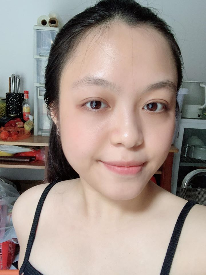 """Cô nàng da đẹp 100 điểm nhờ cách chăm da """"ngược"""": Skincare tối giản nhưng đắp 2 miếng mặt nạ mỗi ngày  - Ảnh 1."""