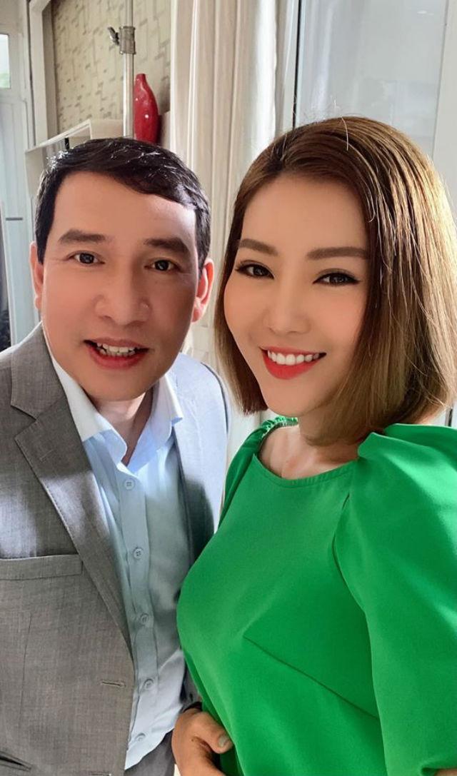 Thanh Hương vui vẻ chụp hình chung với Quang Thắng.