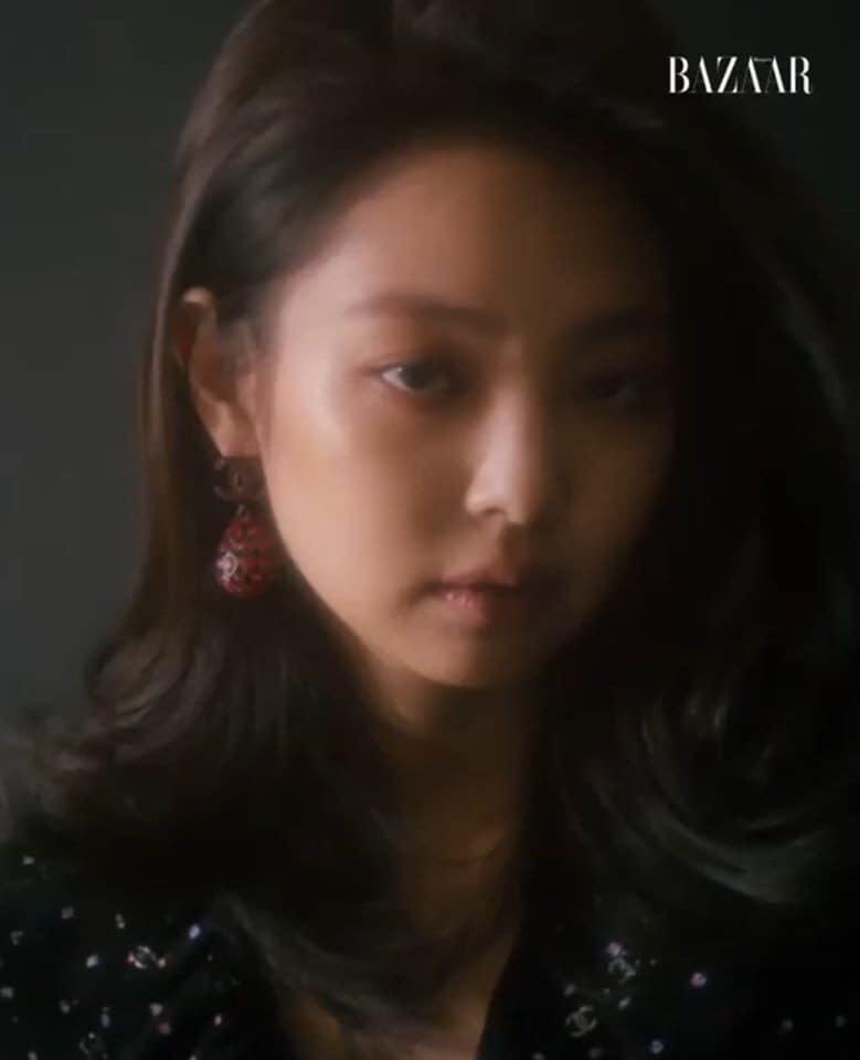 """Jennie makeup khác lạ trong bộ ảnh tạp chí mới: Người chê hơi """"suy nhược"""", người lại khen cá tính, hao hao Song Hye Kyo - Ảnh 2."""