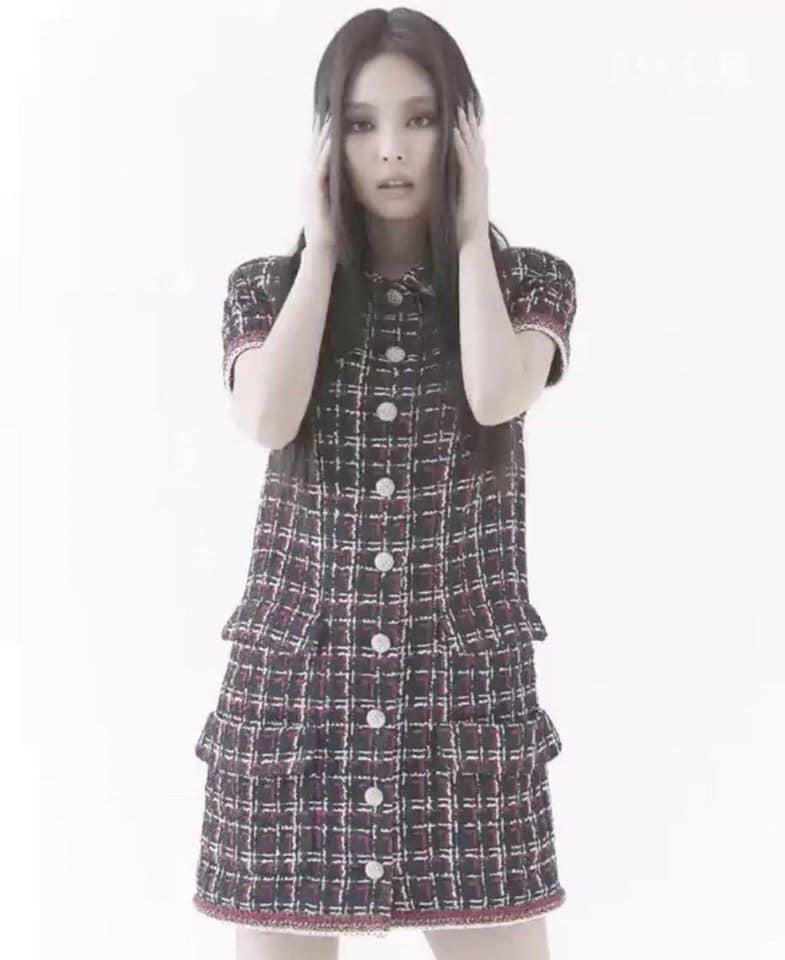 """Jennie makeup khác lạ trong bộ ảnh tạp chí mới: Người chê hơi """"suy nhược"""", người lại khen cá tính, hao hao Song Hye Kyo - Ảnh 4."""