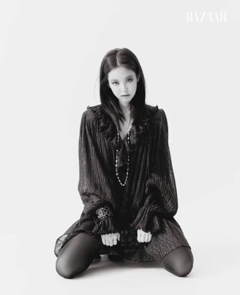 """Jennie makeup khác lạ trong bộ ảnh tạp chí mới: Người chê hơi """"suy nhược"""", người lại khen cá tính, hao hao Song Hye Kyo - Ảnh 1."""