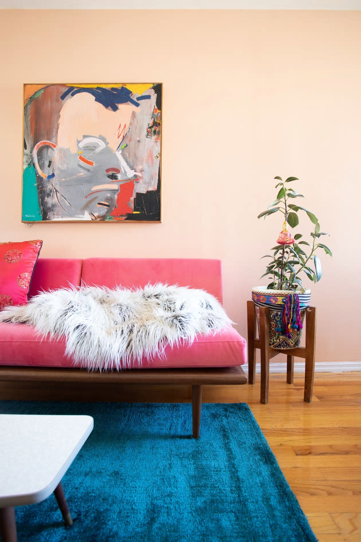 Căn hộ nhỏ 37m2 ở Brooklyn sử dụng những màu sắc đáng kinh ngạc trong trang trí nội thất - Ảnh 10.