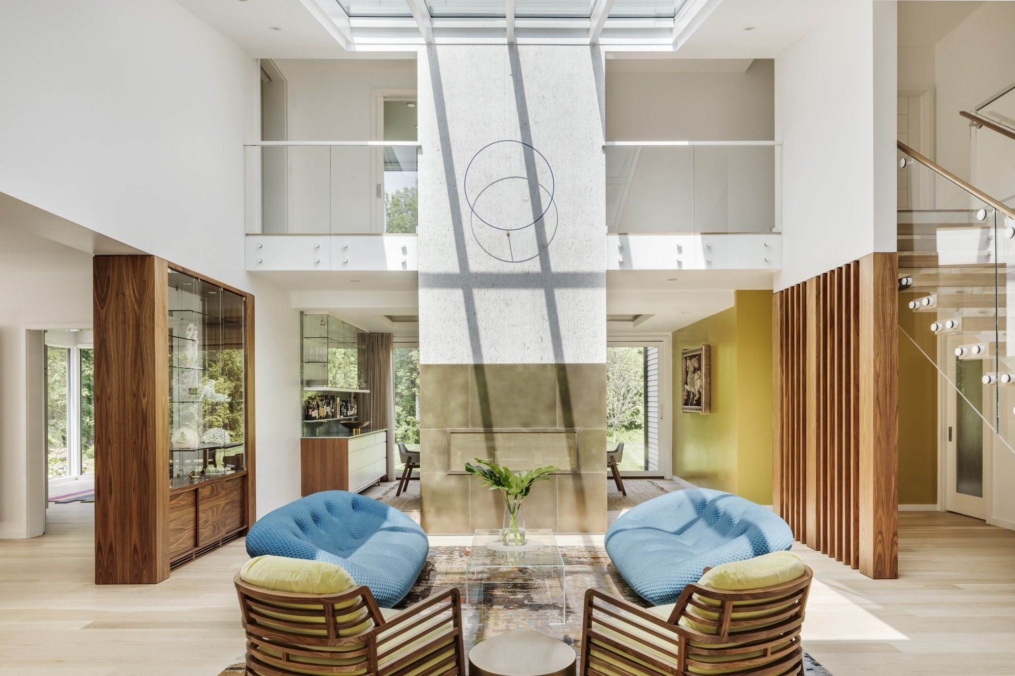 Cùng chiêm ngưỡng vẻ đẹp khó cưỡng của những căn phòng khách mang phong cách đương đại - Ảnh 21.