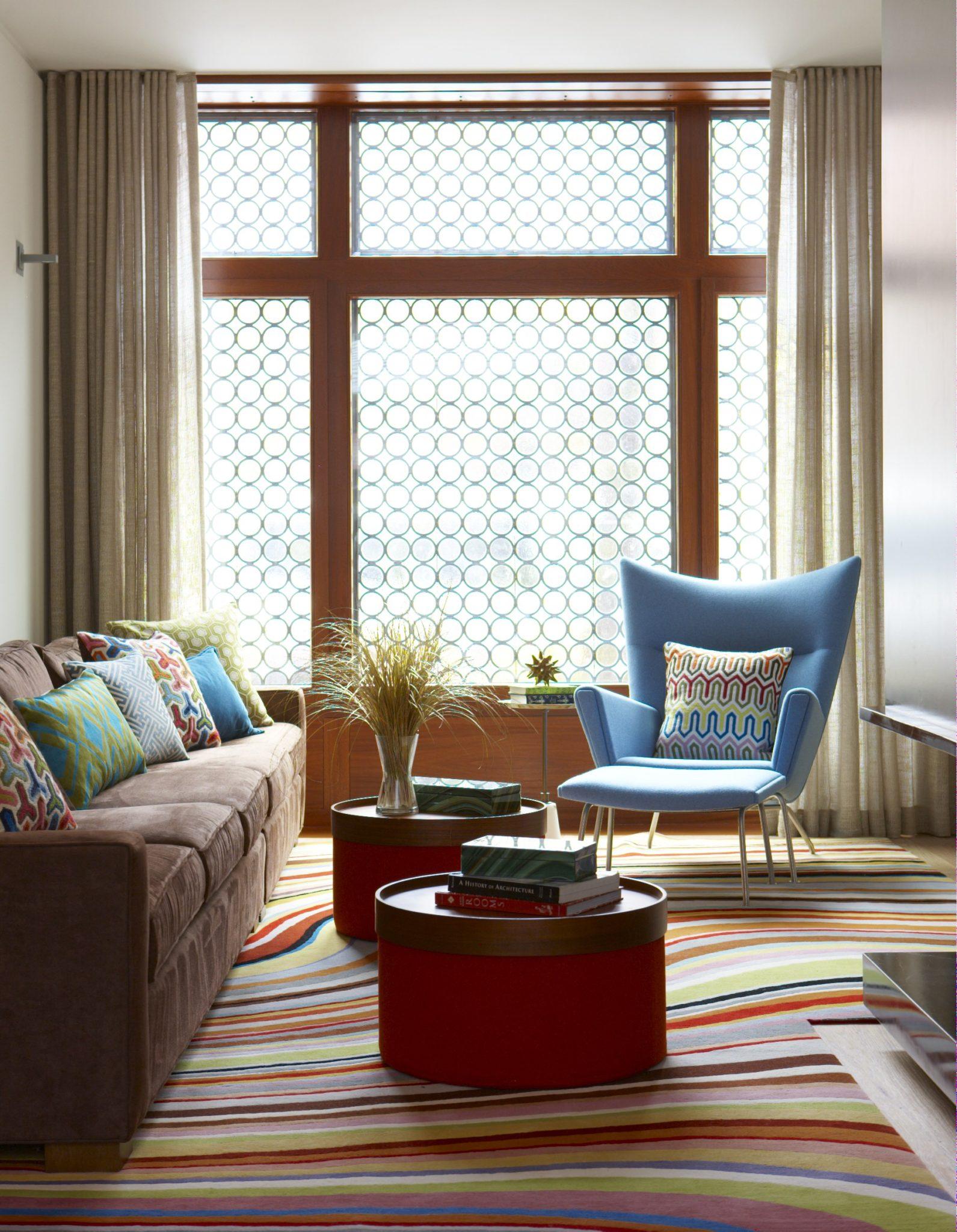 Cùng chiêm ngưỡng vẻ đẹp khó cưỡng của những căn phòng khách mang phong cách đương đại - Ảnh 6.