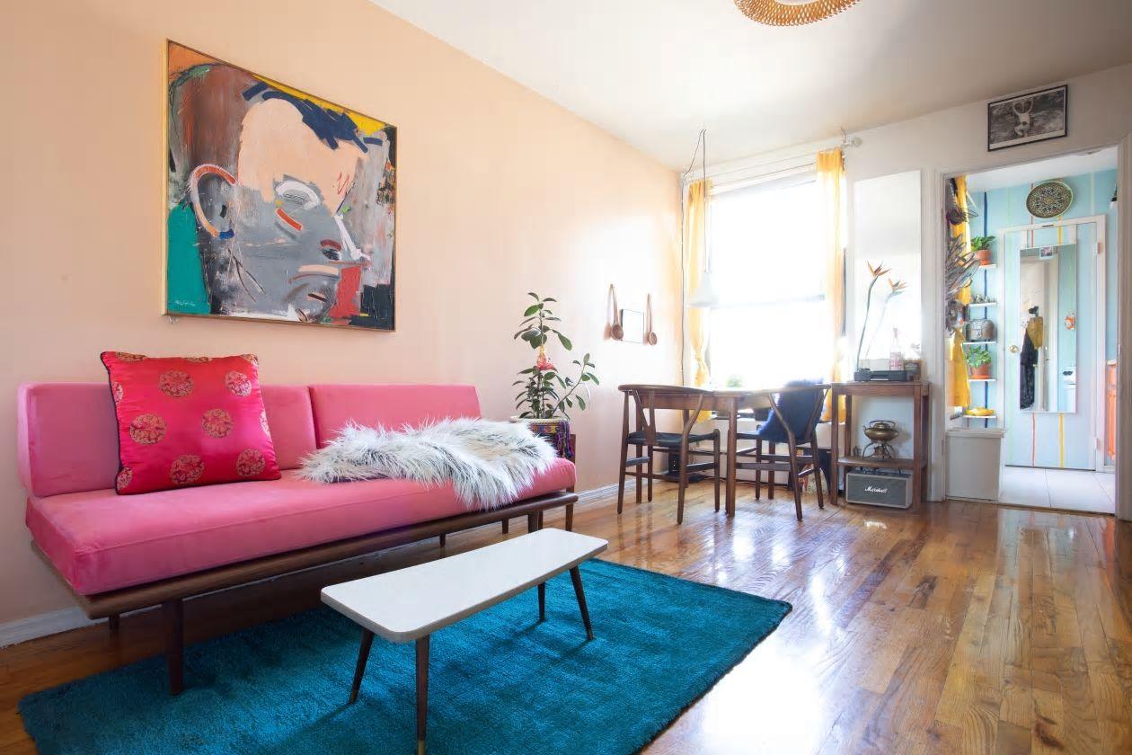 Căn hộ nhỏ 37m2 ở Brooklyn sử dụng những màu sắc đáng kinh ngạc trong trang trí nội thất - Ảnh 2.