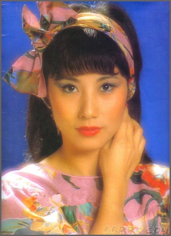 Sao TVB - Uông Minh Thuyên 72 tuổi xuất hiện với gương mặt như tượng sáp, đôi chân thon thả như thiếu nữ - Ảnh 6.