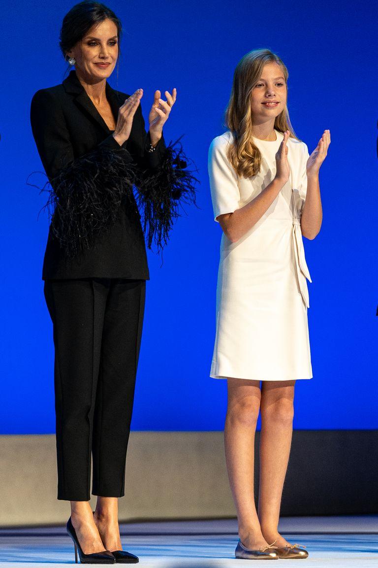 Hoàng hậu Letizia  - Ảnh 3.